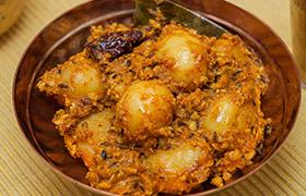 Lehsuniya Batata (Baby Potatoes With Garlic)